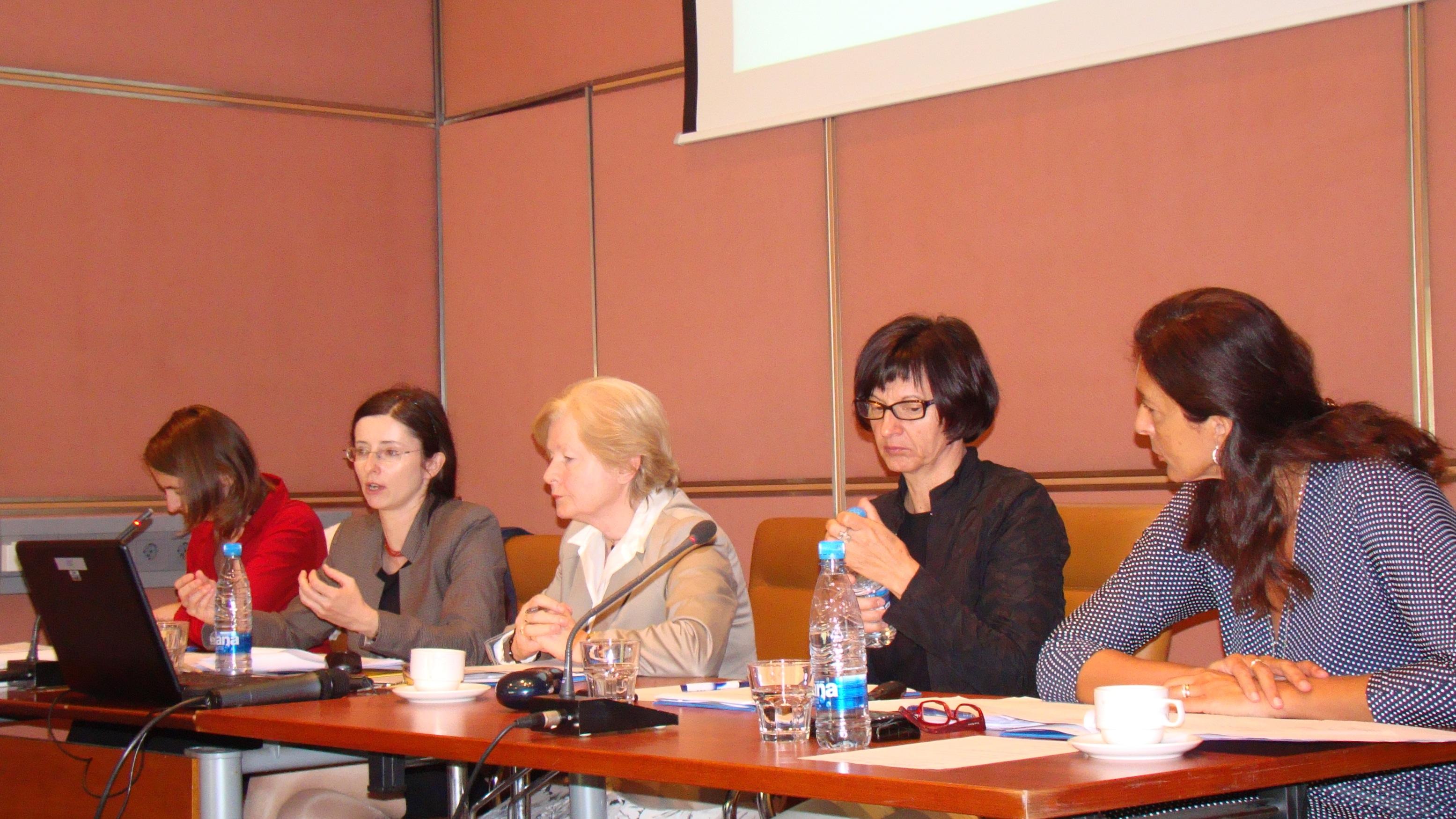 Širimo vednost, dajemo moč: enodnevni seminar z delavnicami za ženske v politiki
